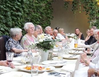 Abendessen im Schlosshof Lagow