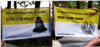 Zweisprachige Flagge zur Transportbegleitung von Magdeburg (Biederitz) nach Neudorf Foto: Axel Behr