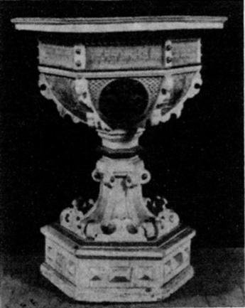 Das Wappen der Familie von Winning trugen die Taufe von 1622 und ein Schrank in der Kirche von Groß-Gandern. Die Inschriften erklärten, dass diese Austattungsstücke Melcher von Lossow und seine verwitwete Mutter Barbara, geb. von Winning, stifteten. Die im Grundriss sechseckige Renaissancetaufe war im Übrigen mit weiteren Wappen, Engelsköpfen und Bibelsprüchen bemalt.