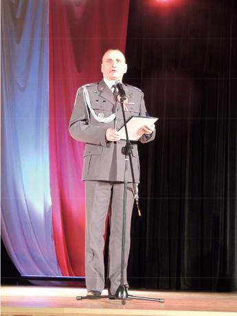 Militärische Auszeichnung durch Pplk. Nowak