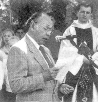 Landsmann Rudi Prestel bei seiner Ansprache in Kriescht